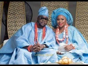 Video: Popular Singer, Omawumi Beautiful Traditional Wedding As Waje & Chigul Other Stars Storm the Venue
